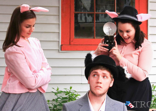Elizabeth Schaffer as Julia, Aaron Kelley as Alexander T. Wolf,  and Brooke Reese as Magill
