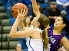 Slow Start Hampers Lady 'Cats (Video Report)