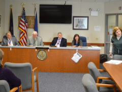Group Encourages Renewable Energy Plan at County Level