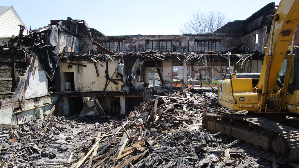 Lock Haven No The Contractor Did Not Actually Hit Wall During Demolition Of Fire Ravaged Remains At 37 41 Bellefonte Avenue